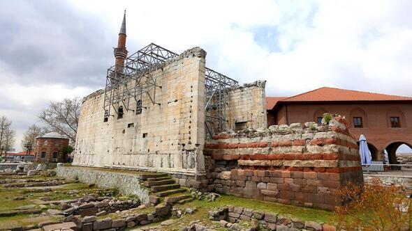Augustus Tapınağı'na 'Şeffaf Müze' önerisi