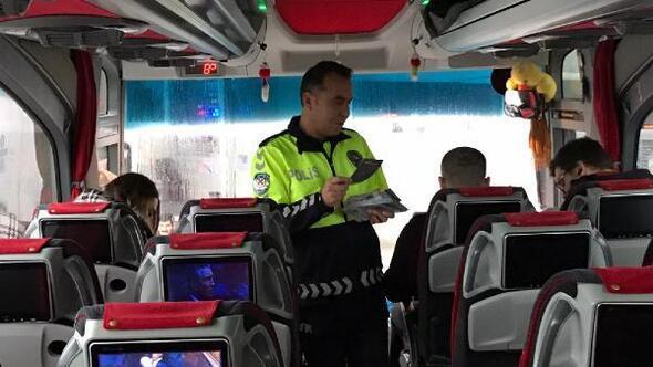 Polisten emniyet kemere uyarısı
