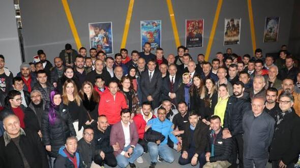 Başkan Yalçın, spor camiasıyla Naim filmini izledi