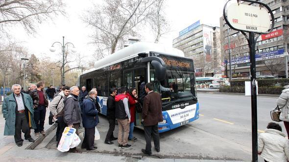 'Saatini beklerken yolcuyu bekletme hemen otobüse al'