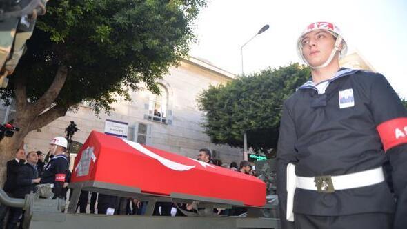 Şehit Uzman Onbaşı Karakoç, Mersinde son yolculuğuna uğurlandı