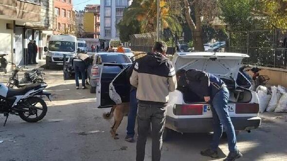 Alaşehirde okul önleri, park ve metruk binalara polis denetimi