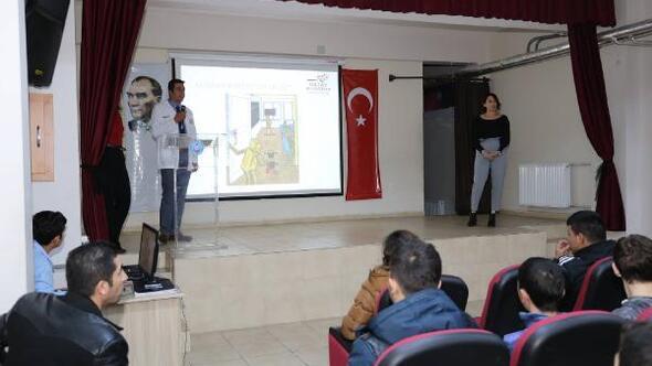 Hatay büyükşehir'den gençlere yönelik madde ve teknoloji bağımlılığı semineri