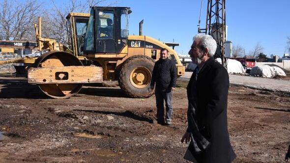 Severek Belediye Başkanı Aydın, kırsal mahalledeki çalışmaları inceledi