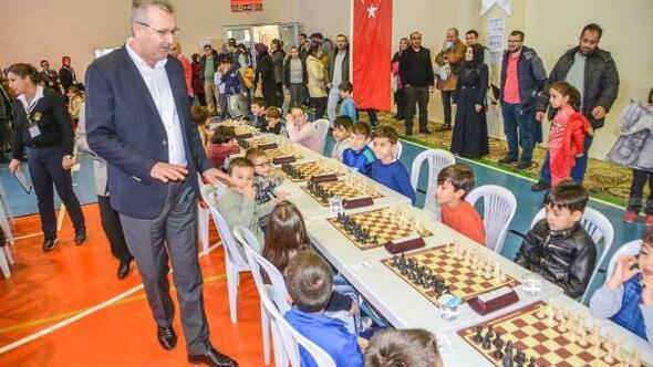 Karacabeyde satranç turnuvası heyecanı