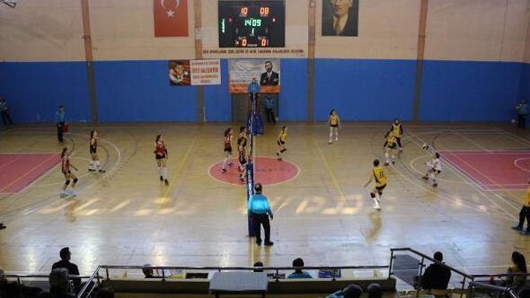 Kadınlar Bölgesel Lig Voleybol Final Müsabakaları Çankırıda başladı