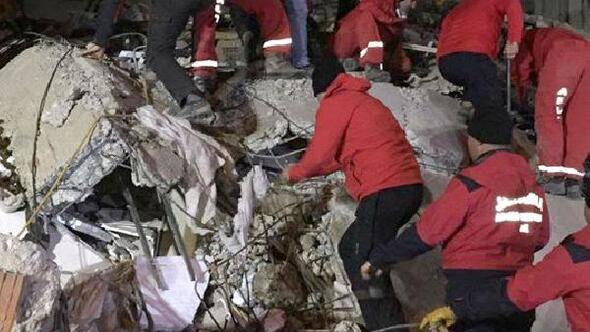 AKUT Trabzon ve Rize gönüllüleri Elazığ'da