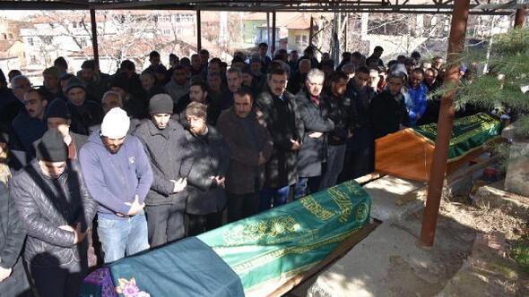 Malatyada depremde ölen 2 kişi de toprağa verildi