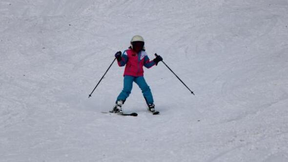 Zigana Kayak Merkezinde geleceğin milli sporcuları yetişiyor