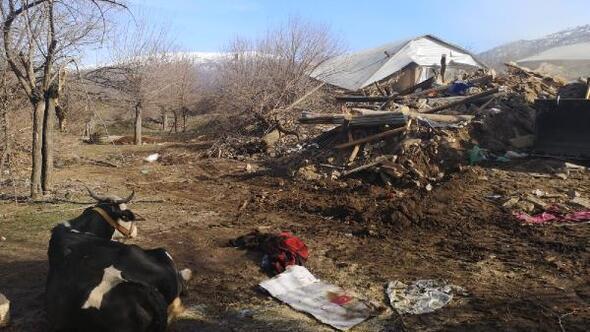 Depremde Çevrimtaş köyündeki evlerin yüzde 90ı yıkıldı