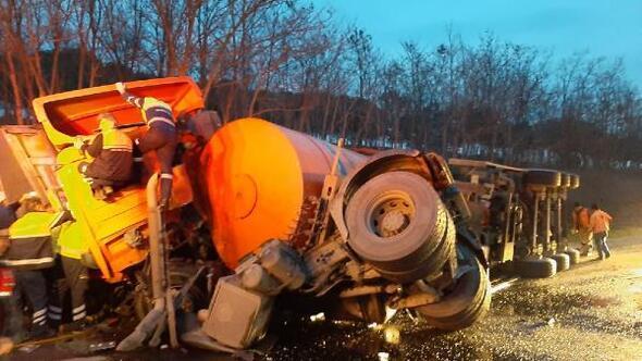 Silivride çöp kamyonu ile TIR çarpıştı: 1 ölü