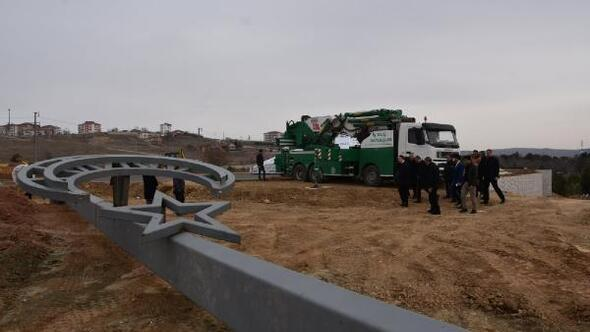 Vali Sezer, Şehitler Anıtında inceleme yaptı