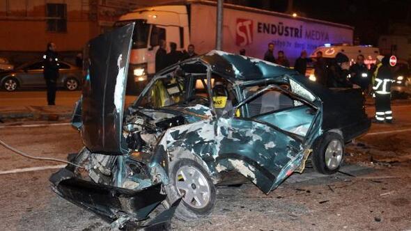 Biri ambulans, 3 araç, zincirleme kazaya karıştı: 5 yaralı