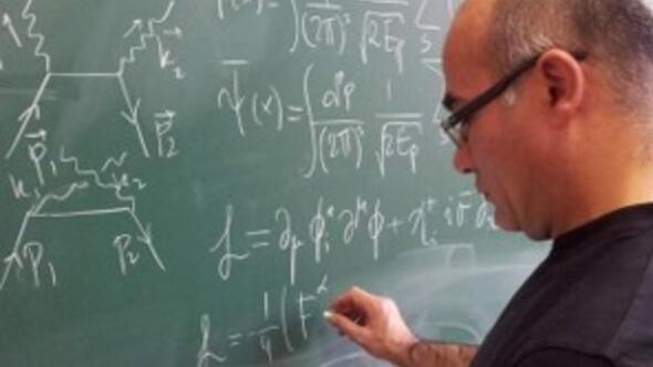Fizikçiler İstanbul Üniversitesi'nde buluşuyor