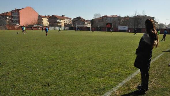 Kadın kulüp başkanı takımıyla ilk maçında mağlubiyet yaşadı