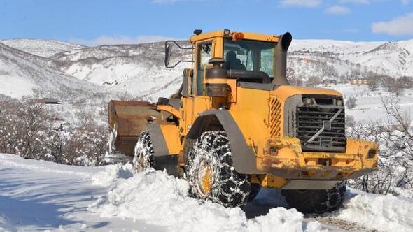 Bingölde kardan kapanan 179 köy yolu, ulaşıma açıldı