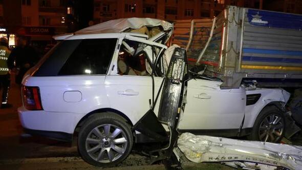 TIRa arkadan çarpan cip sürücüsü iş insanı ağır yaralandı