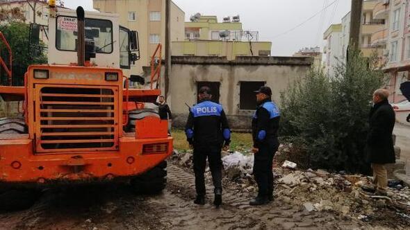 Suçlulara yuva olan metruk binalar yıkıldı