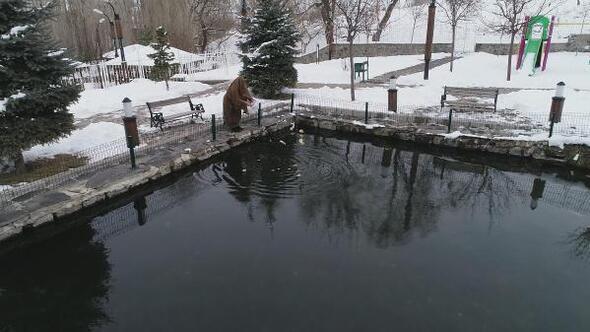 Erzurumda sıfırın altında 30 derecede donmayan göl