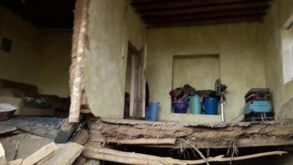 Kırşehirde kerpiç evin duvarı çöktü: 1 yaralı
