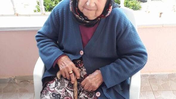 Evindeki yangında dumandan etkilenen yaşlı kadın kurtarılamadı