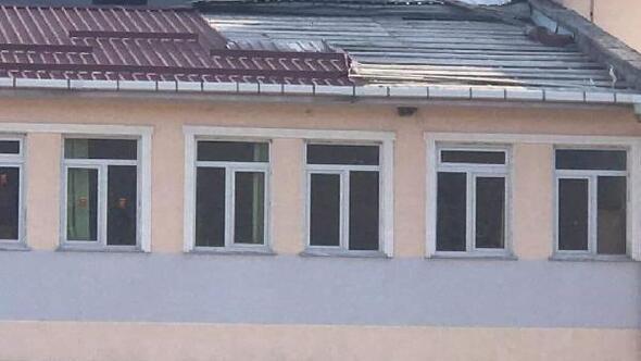 Orduda fırtına çatıları uçurdu; ilçelerde okullar tatil edildi