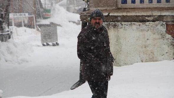 Karlıovada kar esareti, 5 gündür çocuklar okula gidemiyor