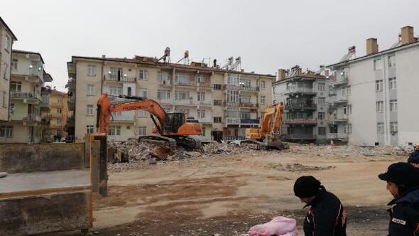 Elazığda yıkımı yapılacak binalardan malzeme alımları yasaklandı