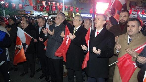 Edremitte Bayrağa saygıyürüyüşü düzenlendi