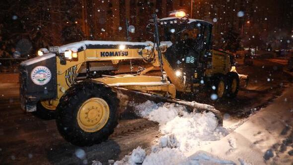 Talasta karla mücadele sürüyor
