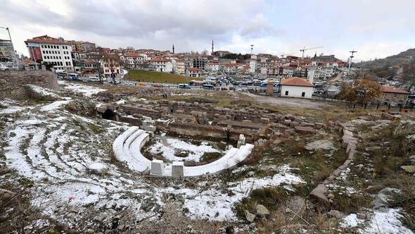 Image result for Ankara'da Roma Tiyatrosu ve Arkeoloji Parkı