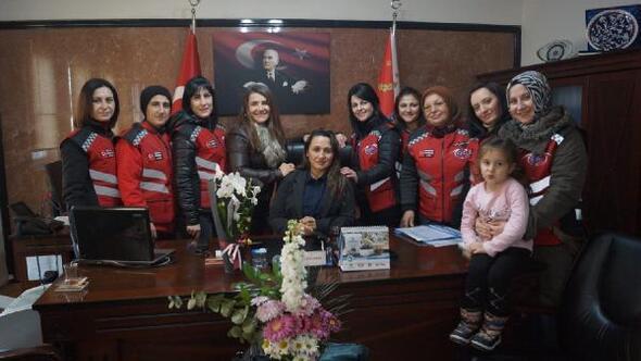 Motosiklet kulübünün kadın üyelerinden emniyet müdürüne ziyaret