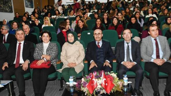 Vali Demirtaş rehber öğretmenlerle kadına yönelik şiddeti konuştu
