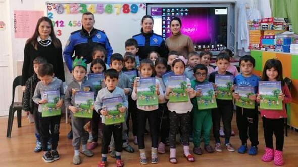 Anaokulu çocuklarına polisten seminer