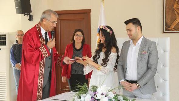 Sevgililer Gününde nikah kıydılar