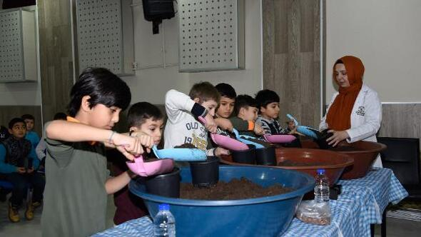 Büyükşehir, öğrencilere yerli tohum bilinci kazandırıyor