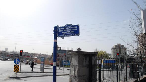 Bangabandhu Şeyh Mucibur Rahman'ın büstü de geliyor
