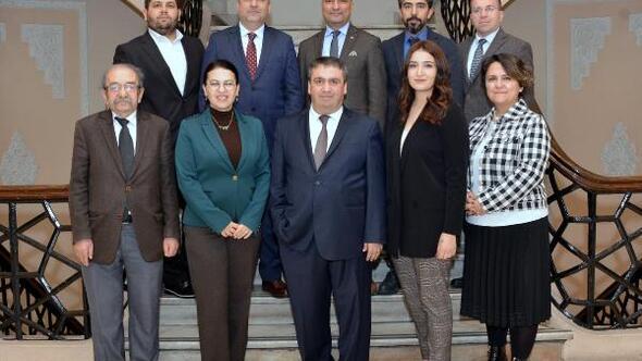 Ekonomi Muhabirleri Derneği İzmir Şubesinde Demircan güven tazeledi