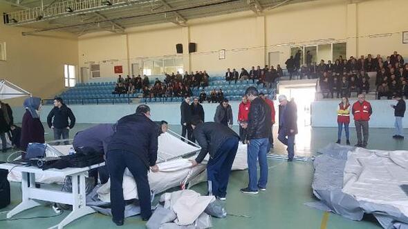 Kırkağaçta kamu personeline afet çadırı kurma eğitimi verildi
