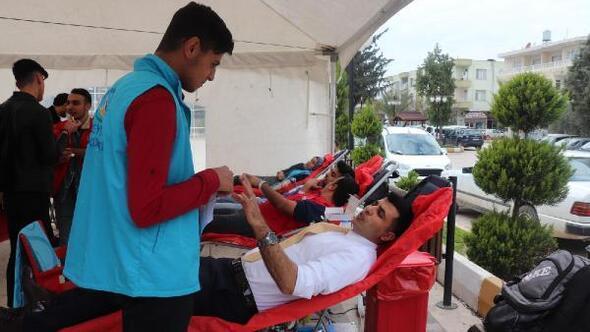 Gençlik Merkezi'nden Kızılay'a kan bağışı