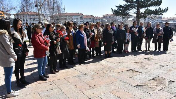 Cumhuriyet kadınları 8 Martı kutladı