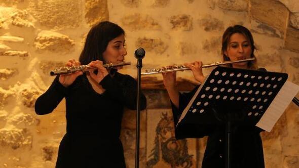 8 Mart'ta kadın sanatçılardan, kadınlara flüt dinletisi