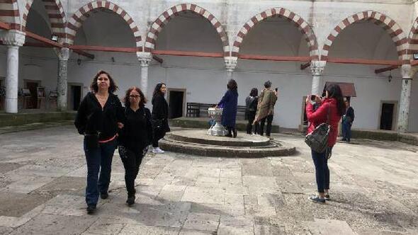 Kadınlar, II. Bayezid Külliyesi Sağlık Müzesini ücretsiz gezdi