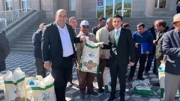 Ulukışlada 60 çiftçiye 3.5 ton fasulye tohumu dağıtıldı