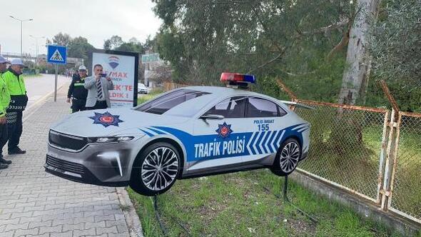 Türkiyenin yerli otomobilinin maketi sürücüleri caydıracak
