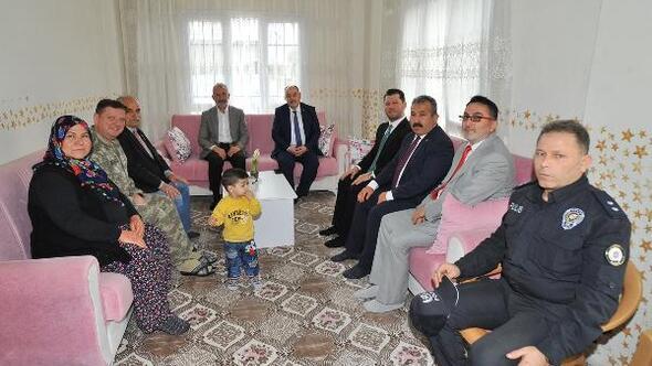 Vali Coşkundan Şehit Uzman Çavuş Sedat Yıldızın ailesini ziyaret