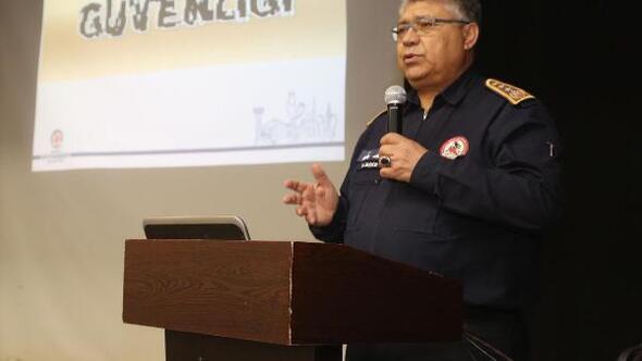 Denizli Büyükşehirde personele deprem eğitimi