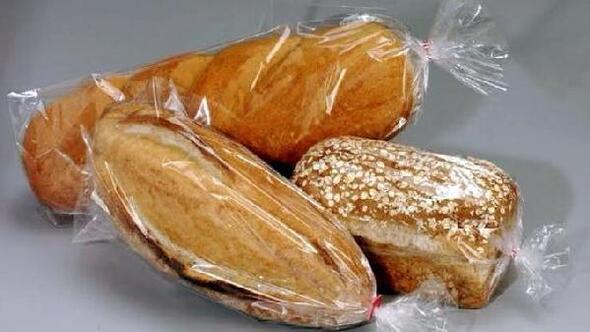 Borda ekmekler poşetlenerek satılıyor