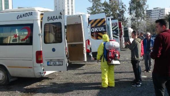 İskenderunda minibüs ve taksiler dezenfekte edildi