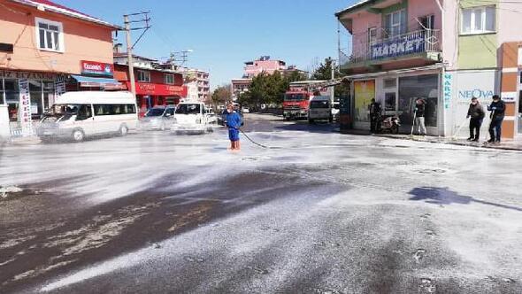 Ulukışla ve Çiftlik ilçesinde caddeler sabunlu su ile yıkandı